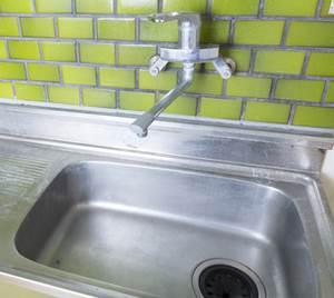 キッチン排水口のつまり原因